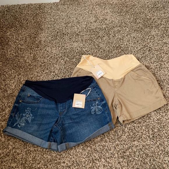 A Glow Pants - A Glow Maternity Shorts Size 4 Maternity